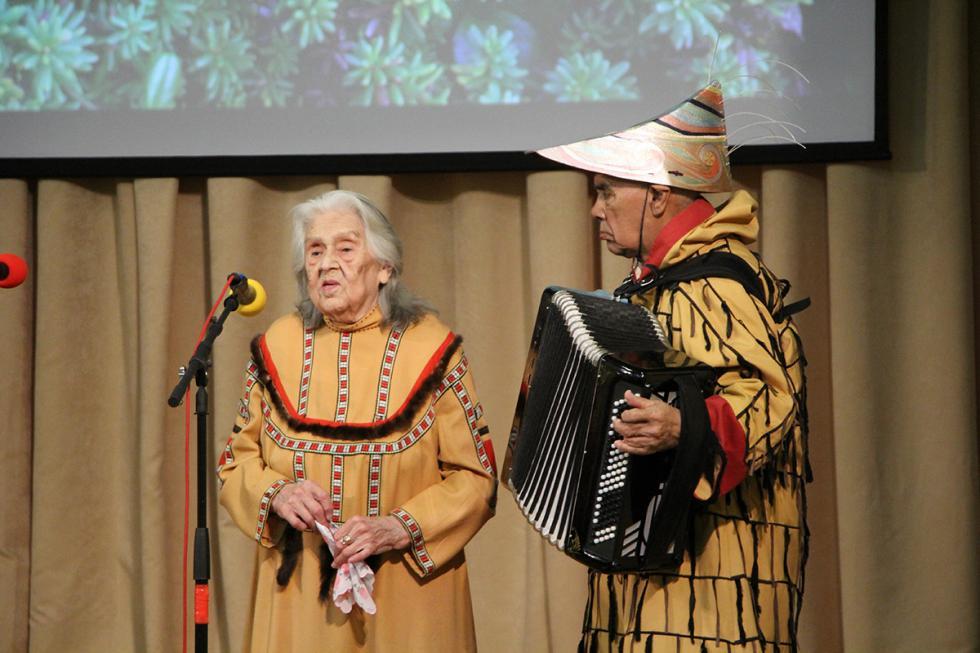 维拉·季莫申科和根纳季·雅科夫列夫。图片来源:Aleutskaya Zvezda