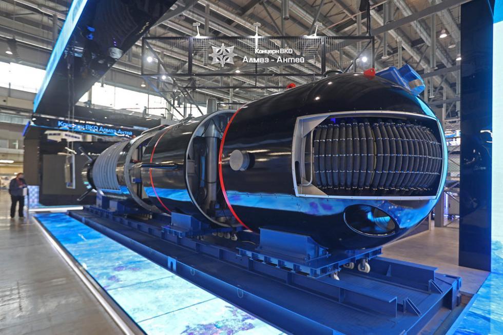 """体型最大的展品中有第一台水下无人机原型机,由下诺夫哥罗德""""胜利70周年""""工厂在未来研究基金会项目框架内研制。图片来源:Tatyana Andreeva / 俄罗斯报"""