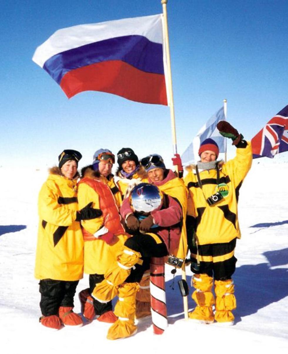 """""""梅捷利察""""探险队成员在南极。图片来源:Metelitsa-p (CC BY-SA 3.0)"""