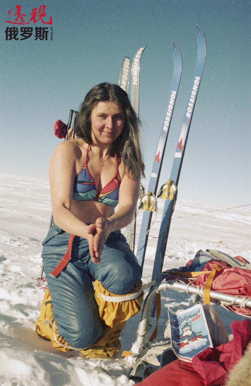 """""""梅捷利察""""探险队成员在北极。图片来源:Irina Kuznetsova / 塔斯社"""