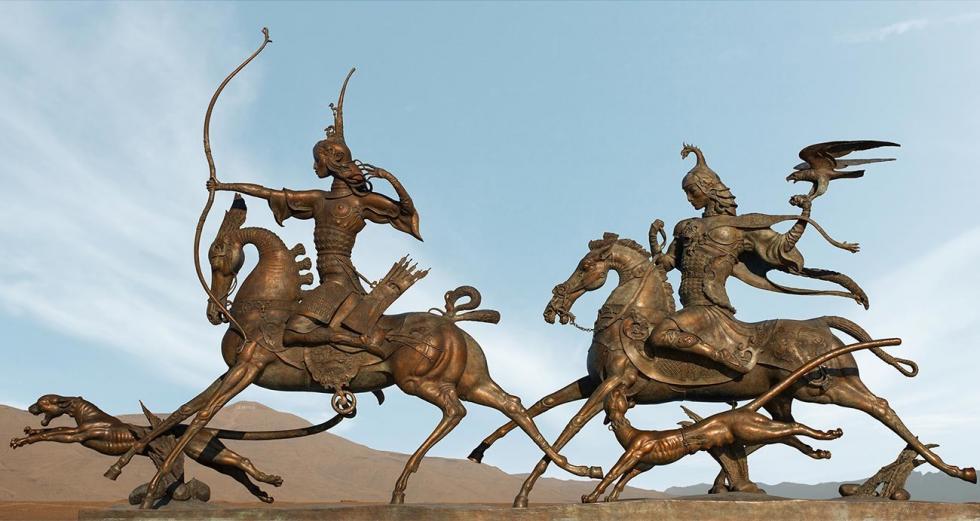 组雕《皇帝的狩猎》 / 达西·纳姆达科夫艺术基金会